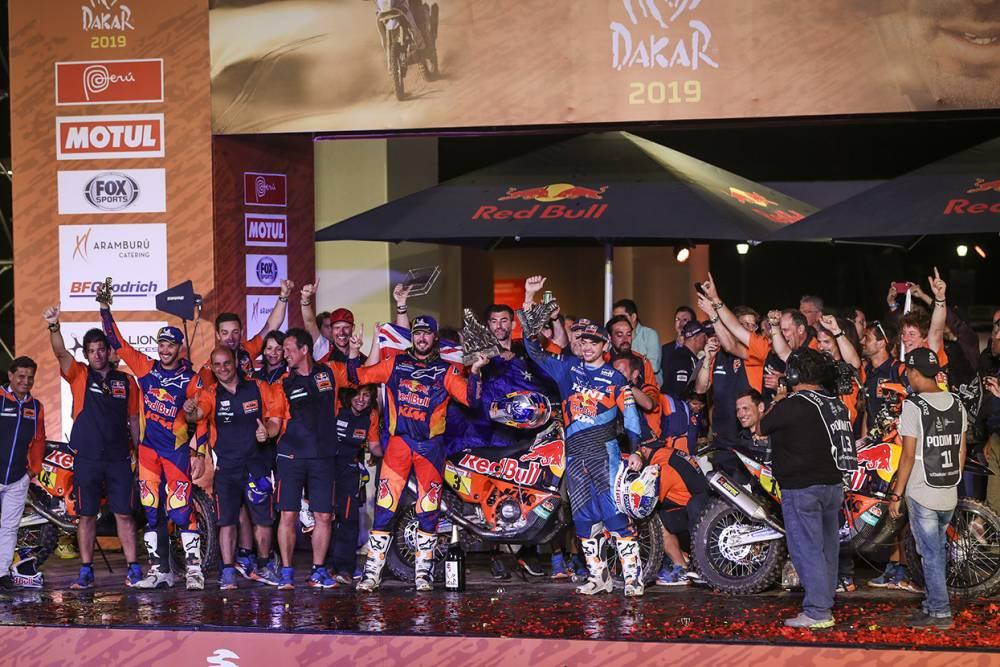 Дакар 2019: результаты 10 этапа, ФИНАЛ, 3 пилота КТМ победили в ралли! (60 фото)