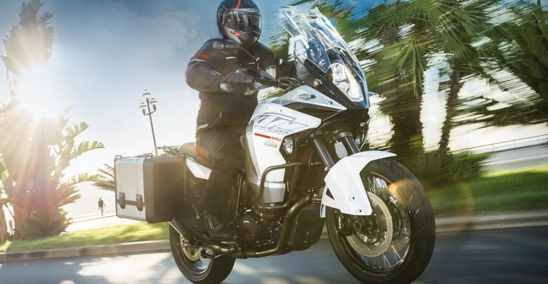 2016-KTM-1290-Super-Adventure