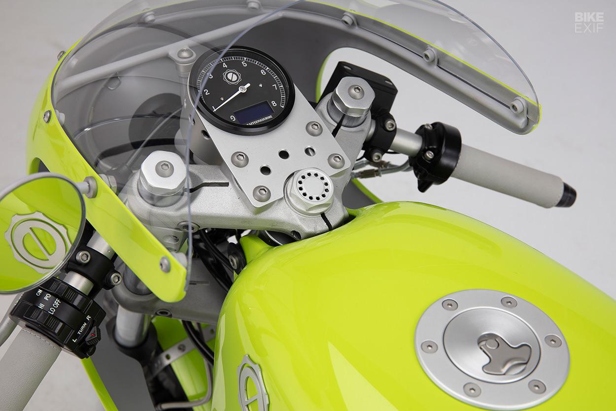 Moto Guzzi LE MANS KAFFEEMASCHINE_5