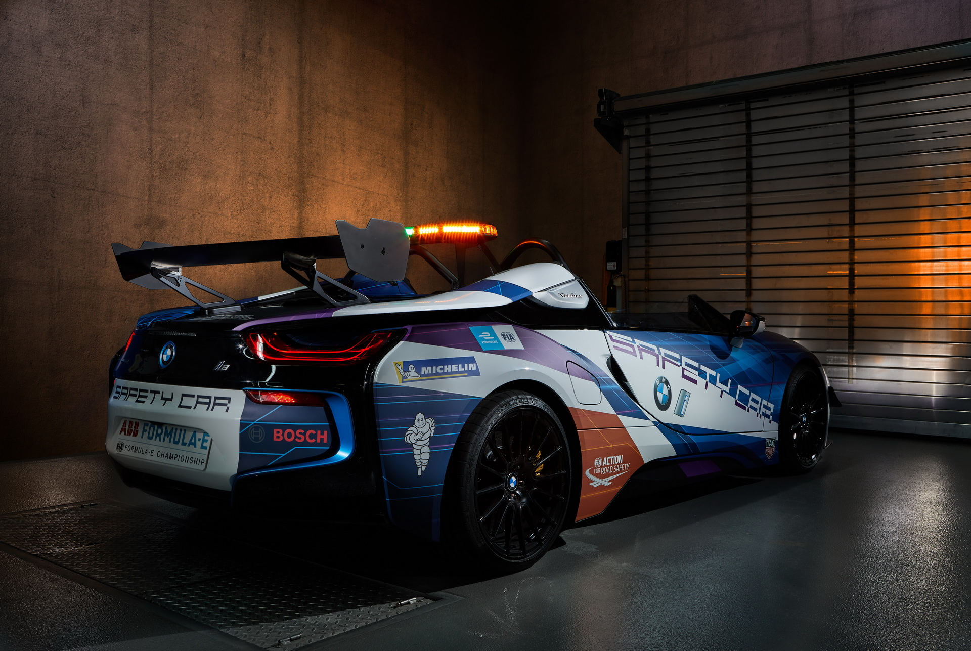 BMW i8 спидстер_3