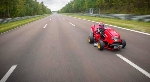 Газонокосилка Honda Mean Mower V2 ставит рекорды скорости_4