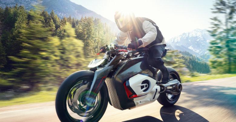 Электроцикл BMW Vision DC Roadster