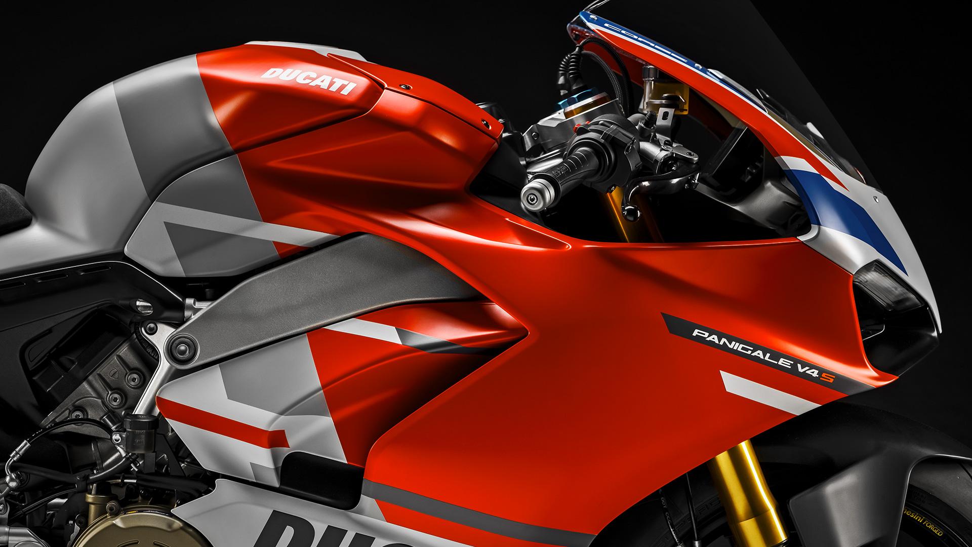 Ducati отзывает Panigale V4