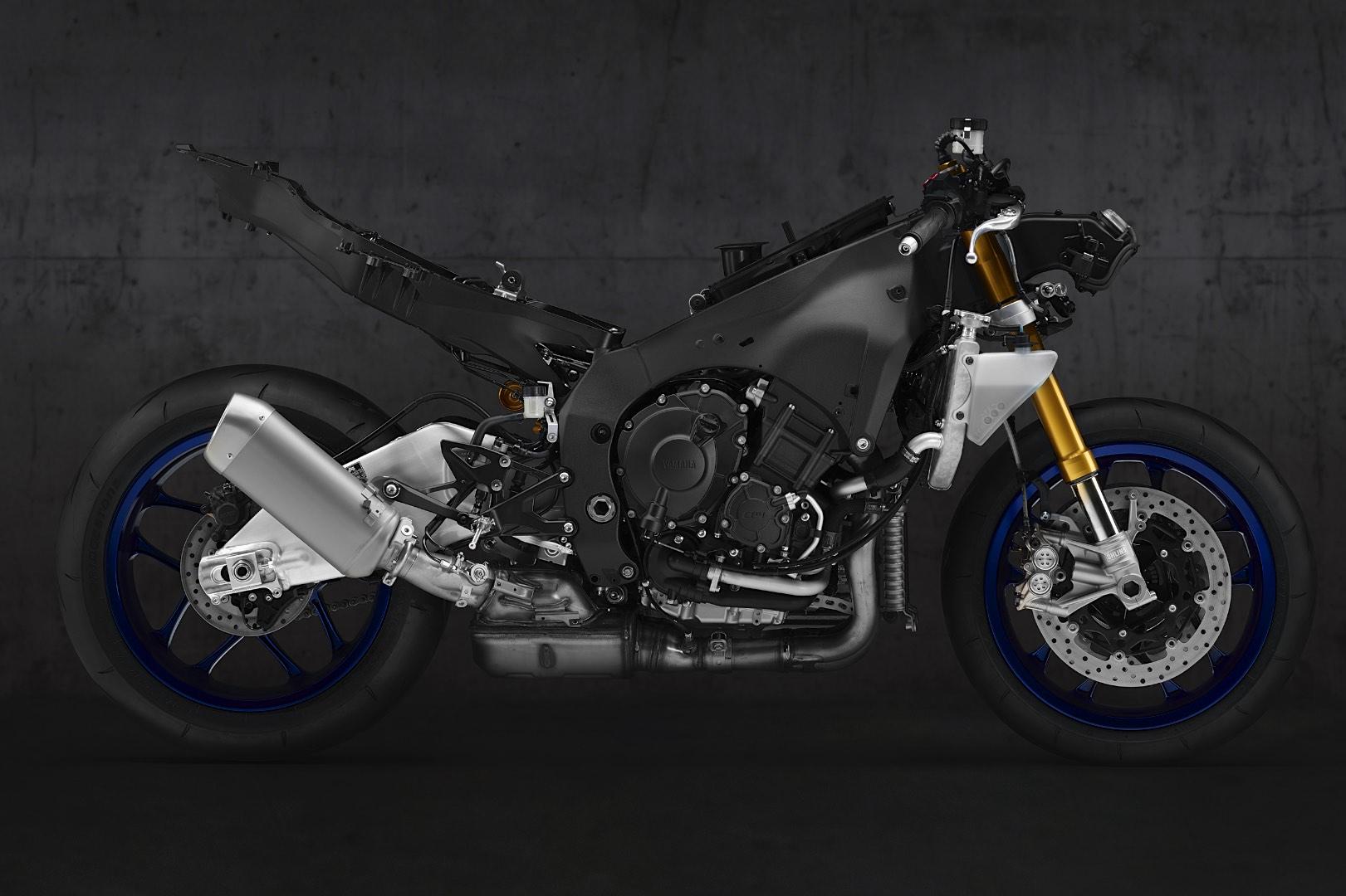 Yamaha R1/R1M 2020 - быстрее, умнее, технологичнее!