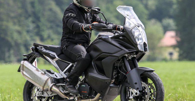 KTM 1290 Super Adventure 2020 с системой активной безопасности