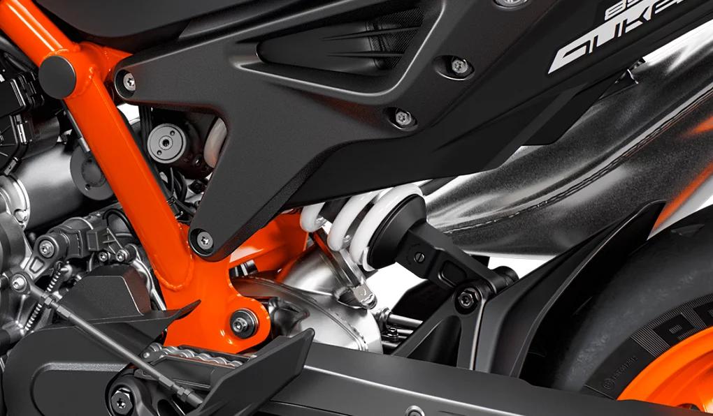Новый нейкед KTM 890 Duke R 2020