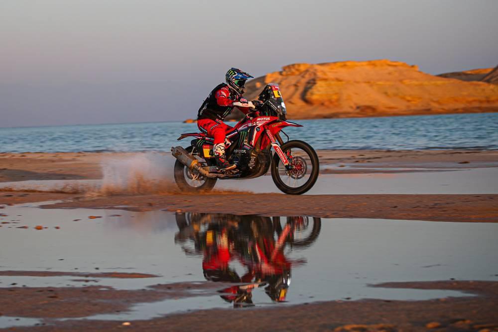Дакар 2021: 9 этап, Хонда лидирует, Тоби Прайс в больнице! (мотоциклы)