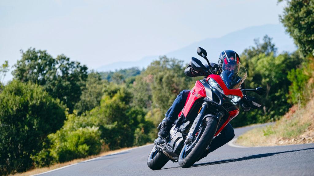 Ducati Multistrada V2 и V2 S 2022